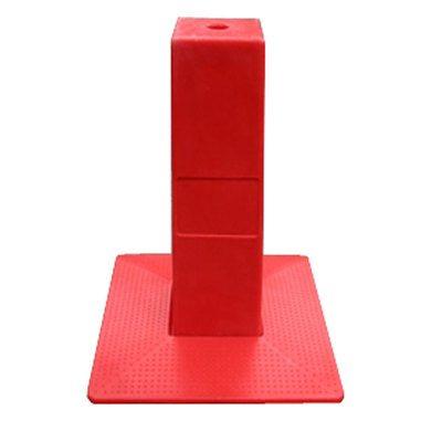 activreso-borne-de-reperage-pyramidale-rouge-1.jpg